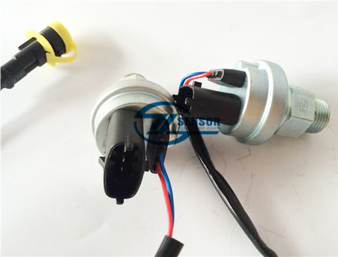 612600090920 Heavy truck engine part electronic Oil pressure sensor for FAW Sinotruck Howo dongfeng